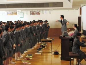 生徒さんよりお礼の歌として、レミオロメン「3月9日」の合唱を頂きました。こんな私も、じ~んと感動しました!みなさん、本当にありがとう!
